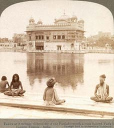 Harimandir 1908 under the control of Udasis with sadhus sitting in meditation