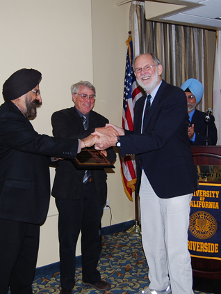 Prof. Gerald Barrier with Dr. Narinder Kapany
