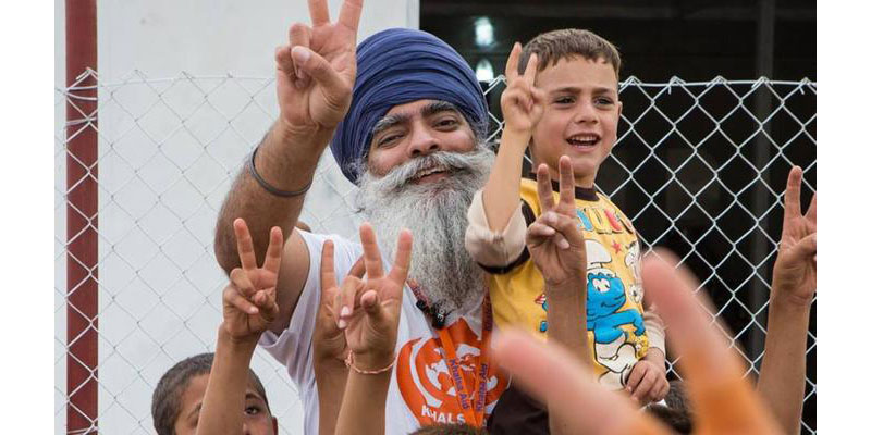 10 Times The Sikh Community Proved That Humanity Is Above Everything