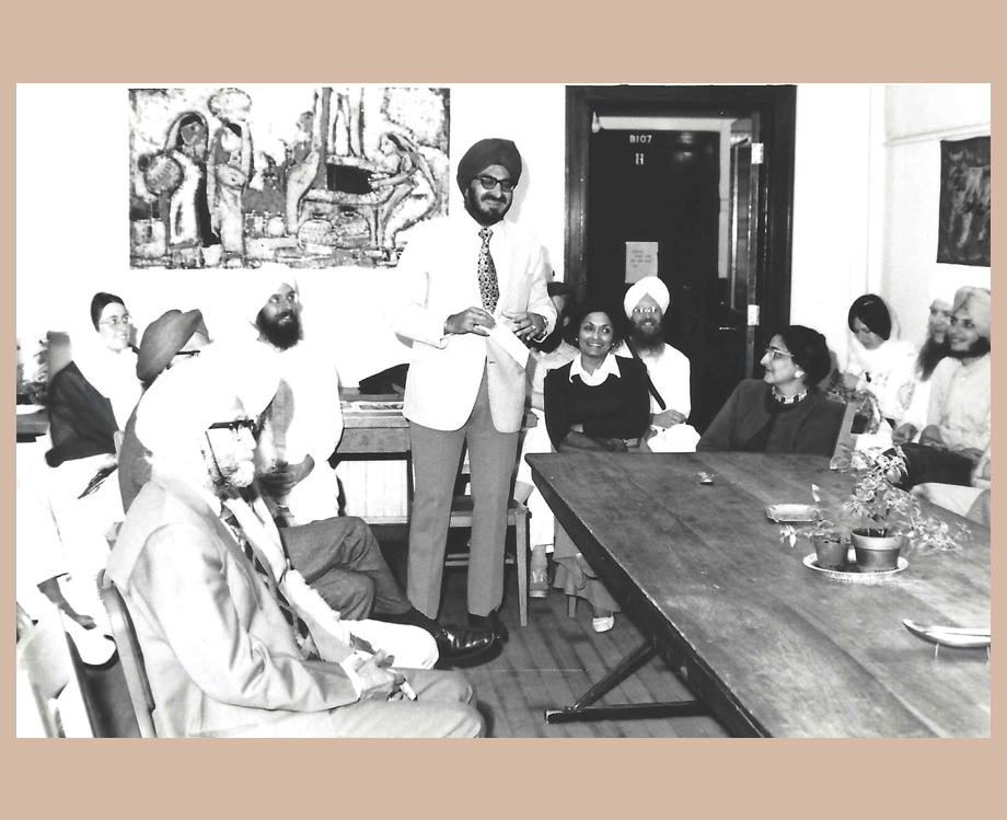 Satinder Kaur and Narinder Singh Kapany at a Sikh Foundation meeting